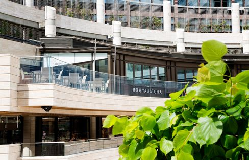 Yauatcha City occupies a site overlooking Broadgate Circle, home to 11 restaurants in the City of London financial district.