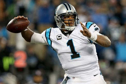 Cam Newton #1 of the Carolina Panthers throws a pass in the first half against the Arizona Cardinals during the NFC Championship Game in Charlotte, North Carolina, on Jan. 24.