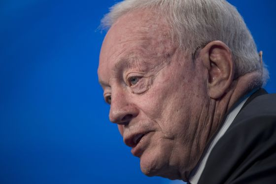 Jerry Jones Expects NFL Will Make It to Super Bowl Despite Covid
