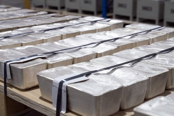 Singapore Dealer Prepares Vault for 15,000 Tons of Silver
