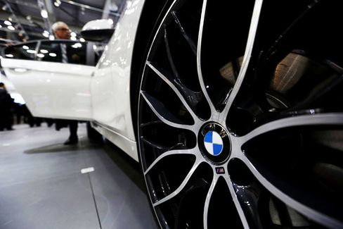 In U.S. Luxury Race, BMW Catches Up to Mercedes