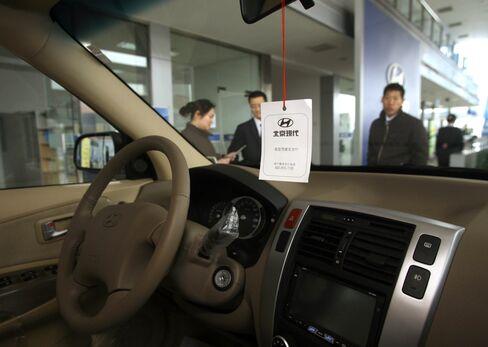 China Slowing Auto Sales Still Eclipse U.S.-Japan-Germany