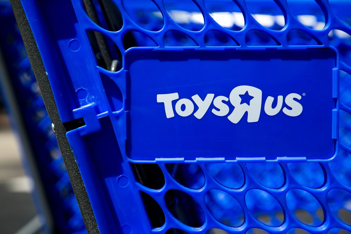 Toys 'R' Us Receives Bids of Over $1 Billion for Asian Business