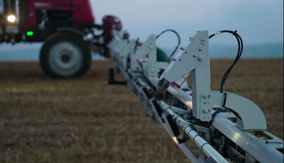 Smart Sprayers Targeting Farm Weeds to Hit U.S. Market in 2022