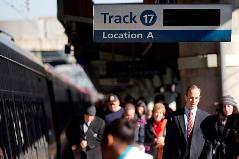 To Lure Travelers, Trains and Planes Start Competing on Faster Wi-Fi