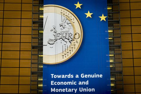 Euro Declines as German Data May Add to Signs of Slowdown
