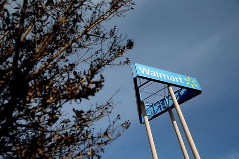 Wal-Mart Brings Falling Prices to the Volatile World of Money Transfers
