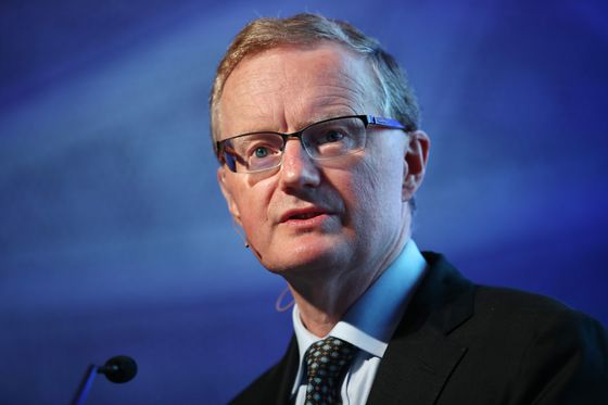 RBA's Lowe Sees Inflation Reaching Target in 2020, Rates on Hold