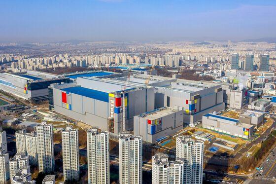 Behind Samsung's $116 Billion Bid for Chip Supremacy