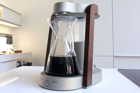 The Ratio Eight automatic pour-over coffee machine.