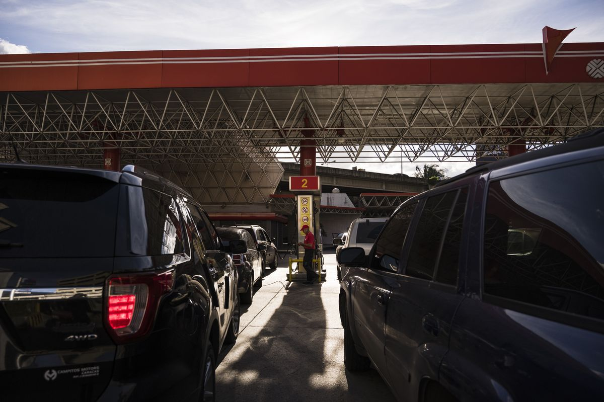 Gasoline Shortages Hit Caracas as U.S. Sanctions Pinch Supplies