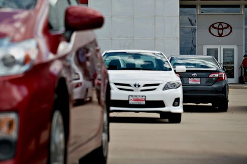 Toyota Adds Relief for Buyers Hurt by Government Shutdown