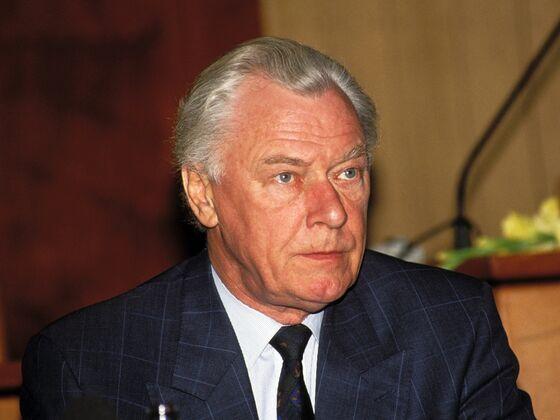 Poul Schluter, Danish Premier Who Introduced Krone Peg, Dies
