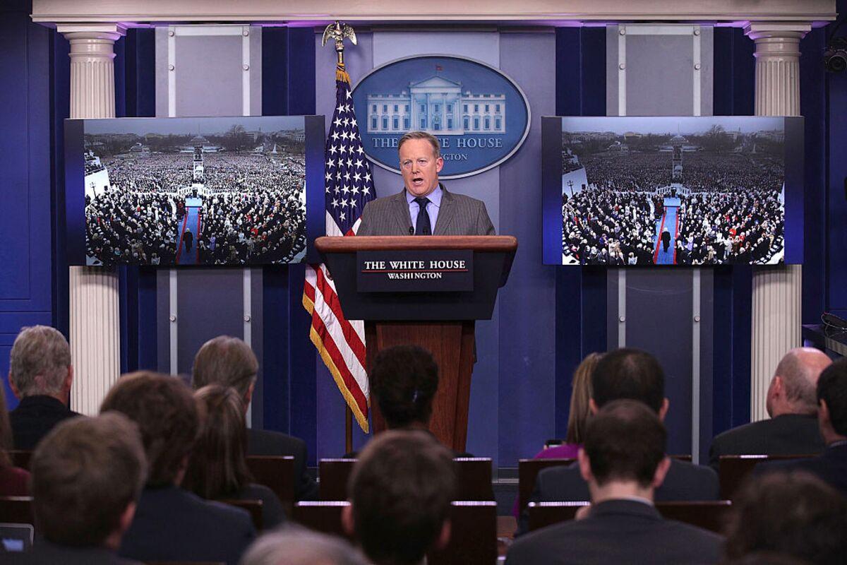 bloomberg.com - Tyler Cowen - Why Trump's Staff Is Lying