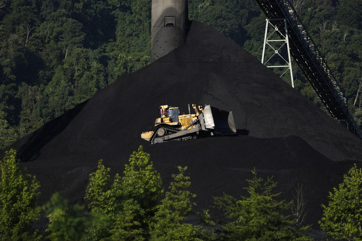 Two Coal Plants Closing a Decade Early in the U.S. Midwest