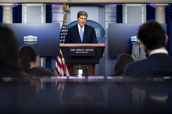 U.S. Climate Groups Call OnKerry to Shut Off Wall Street Funds