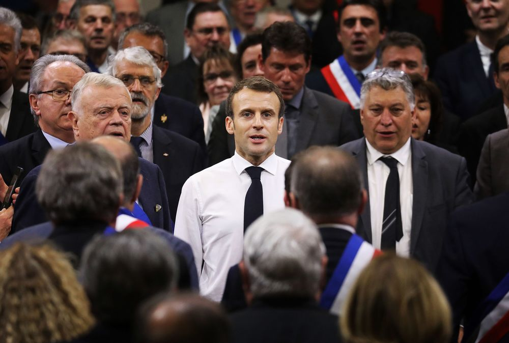 Macron's Approval Rating Increases 4 Points to 27% in Ifop
