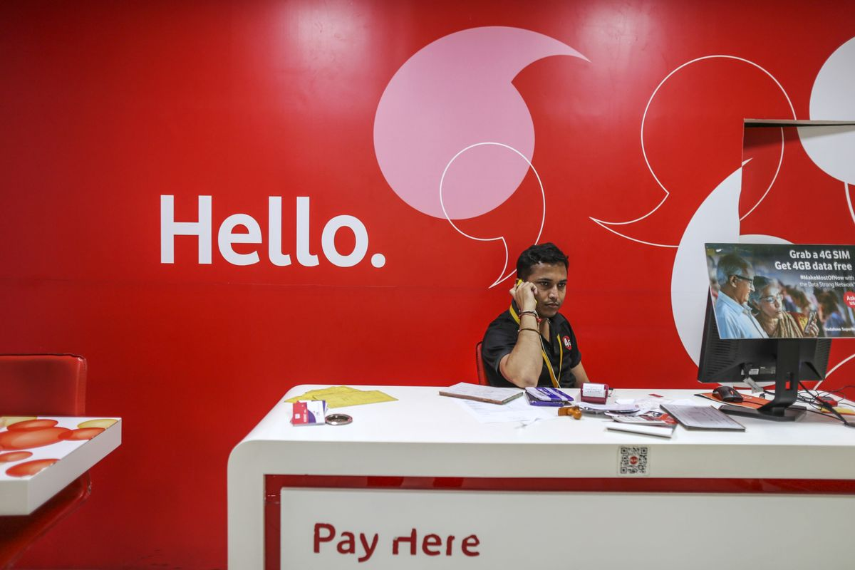 Vodafone CEO Says Relief Is 'Critical' for India Venture