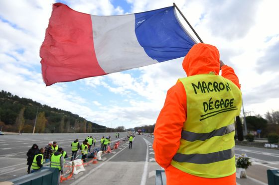 France's Yellow Vests Might Enter Politics—If They Can Unite