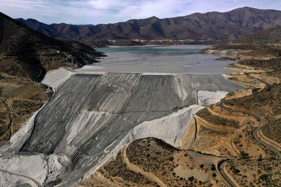 Antofagasta Dodges Strike at Biggest Copper Mine in Chile