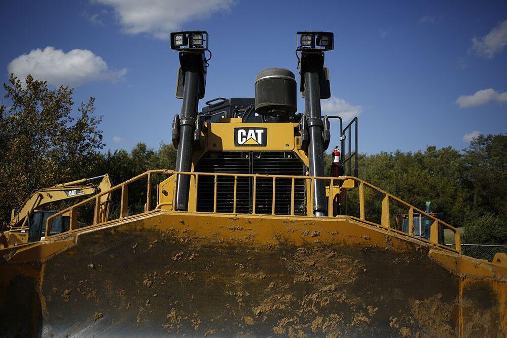 Caterpillar (CAT) Earnings, Outlook Bulldoze Wishful