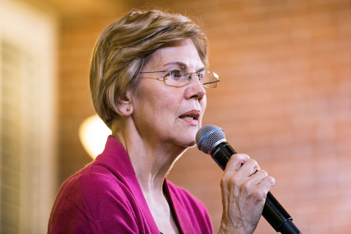 Warren Pushes New Corporate Tax on Profits Above $100 Million