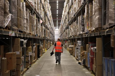 Warehouses Win Investors as Unsung Internet Heroes