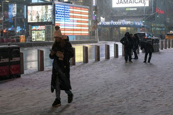 New York Faces Season's Heaviest Snow as Storm Comes East