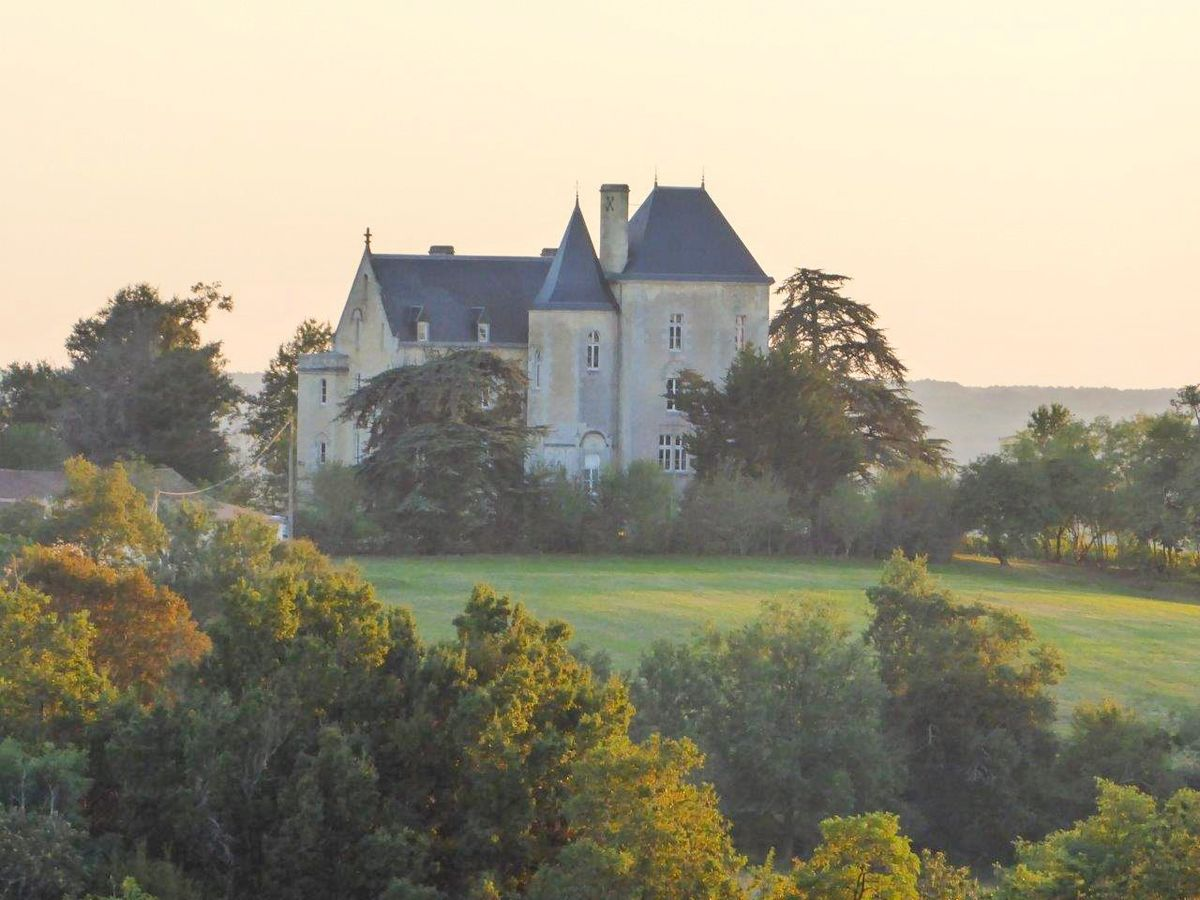 Bordeaux Wine Estate Chateau Fauchey Sold To Chinese Investor Bloomberg