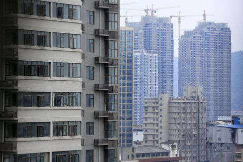 China Said to Order Action by Banks as Developer Loans Sour