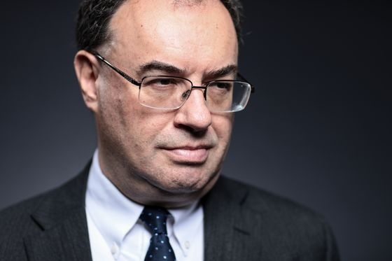 Andrew Bailey Faces First BOE Test as Coronavirus Rewrites Outlook