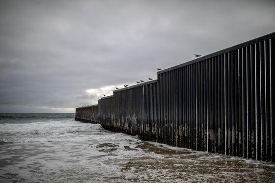 Mexico Creates Vaccine Oasis in Bid to Reopen U.S. Border