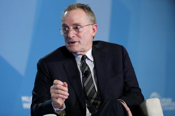 Marks Laments 'Not Having Great Things to Buy' Amid Low Distress