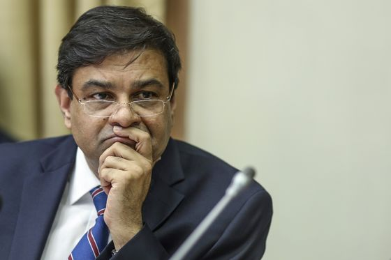 IndiaCites Never-Used Powers in Talks With RBI