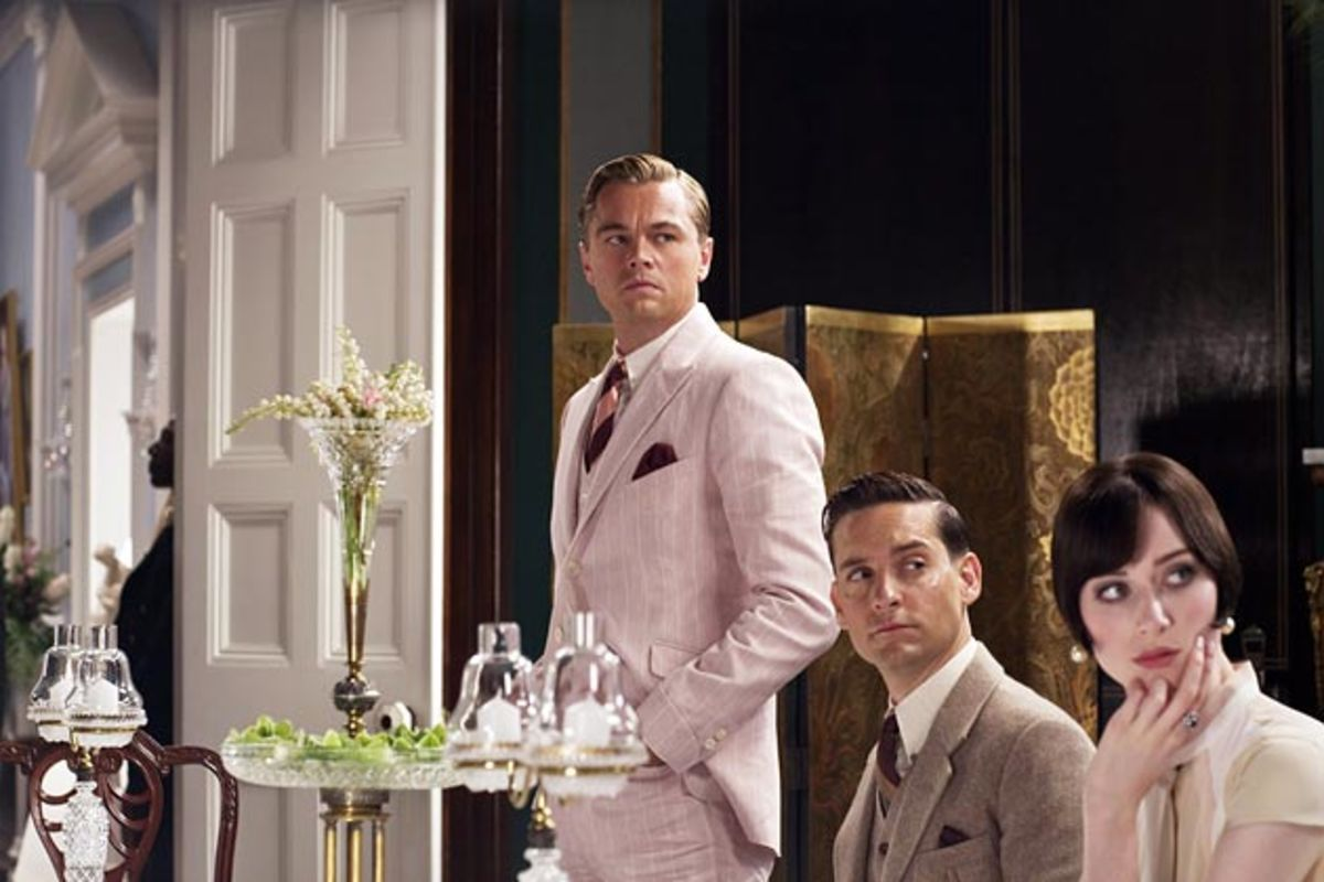 the colors of gatsby Sometimes gatsby comes up with the color pink the luminosity of his pink suit under the moon (gatsby, p136) when gatsby and daisy are finally together, there was a pink and golden billow of foamy clouds above the sea (p 91.