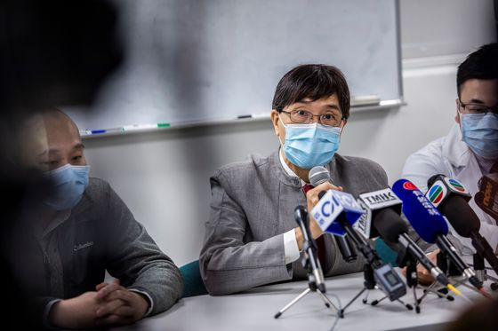 Top Pandemic Doctor Explains Hong Kong's Low Covid-19 Fatality Rate