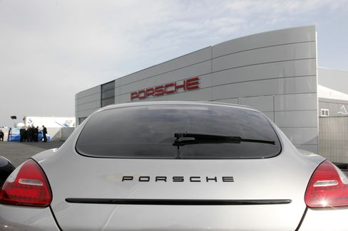Porsche Aims German Torpedo at Bid for London Legal Front