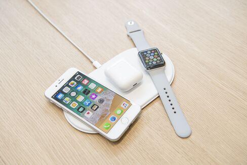 アイフォーン8、エアポッド、アップルウオッチ、ワイヤレス充電パッド「AirPower」