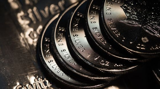 Silver, GameStop Sink as Investor Frenzy Shows Signs of Cooling