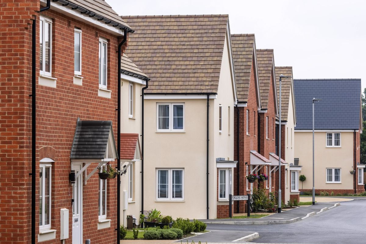 U.K. House Asking Prices Accelerate With Low Borrowing Costs