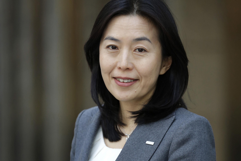 Tea Lady Turns Executive as Japan Banks Promote Women ...