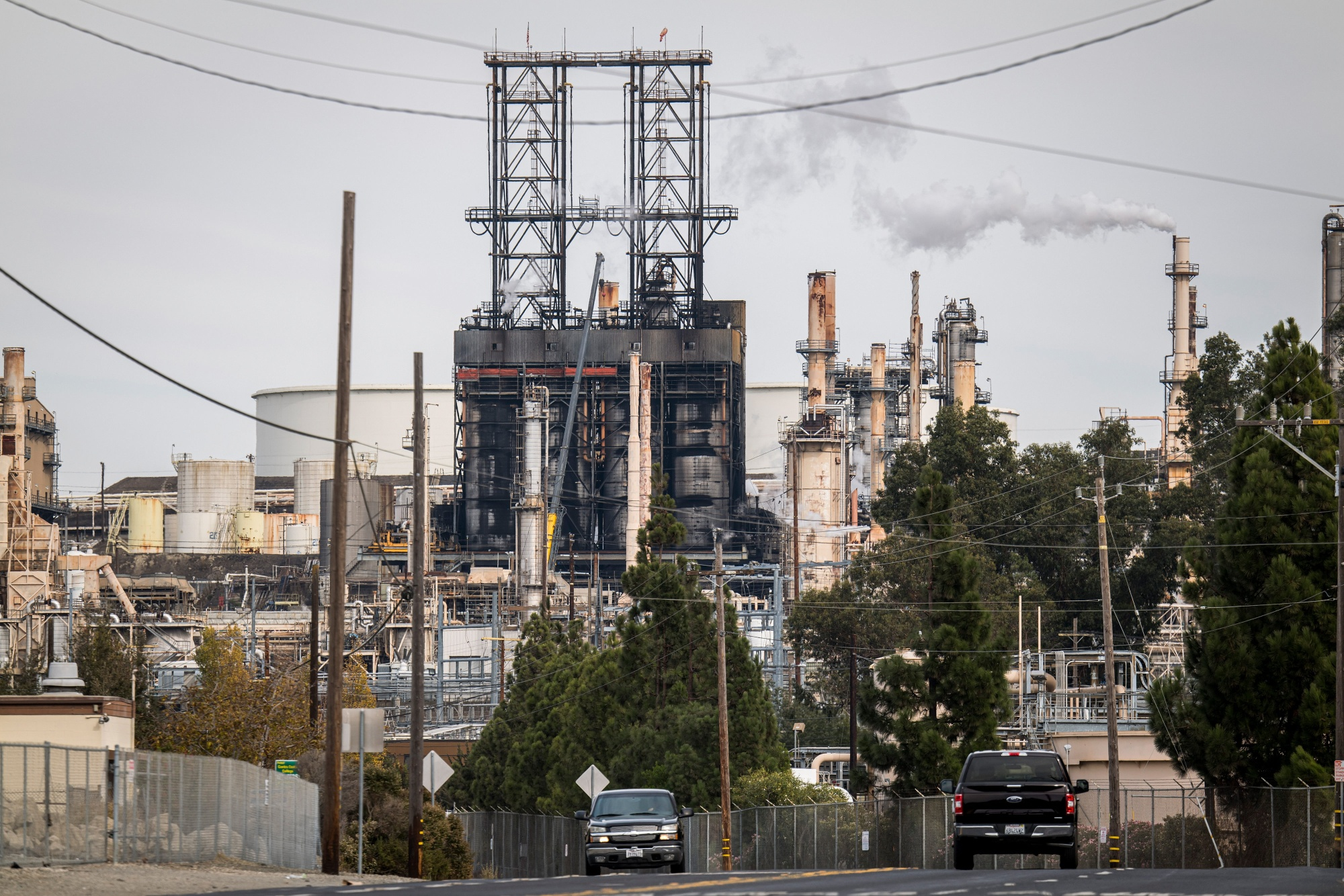 relates to Covid Restaurant Shutdowns Threaten Oil Refiners' Biofuel Dreams
