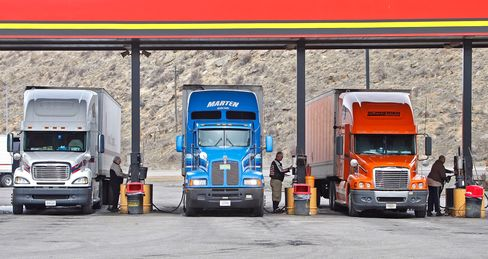 Truckers as Leading Indicator Show Stable U.S. Economic Growth
