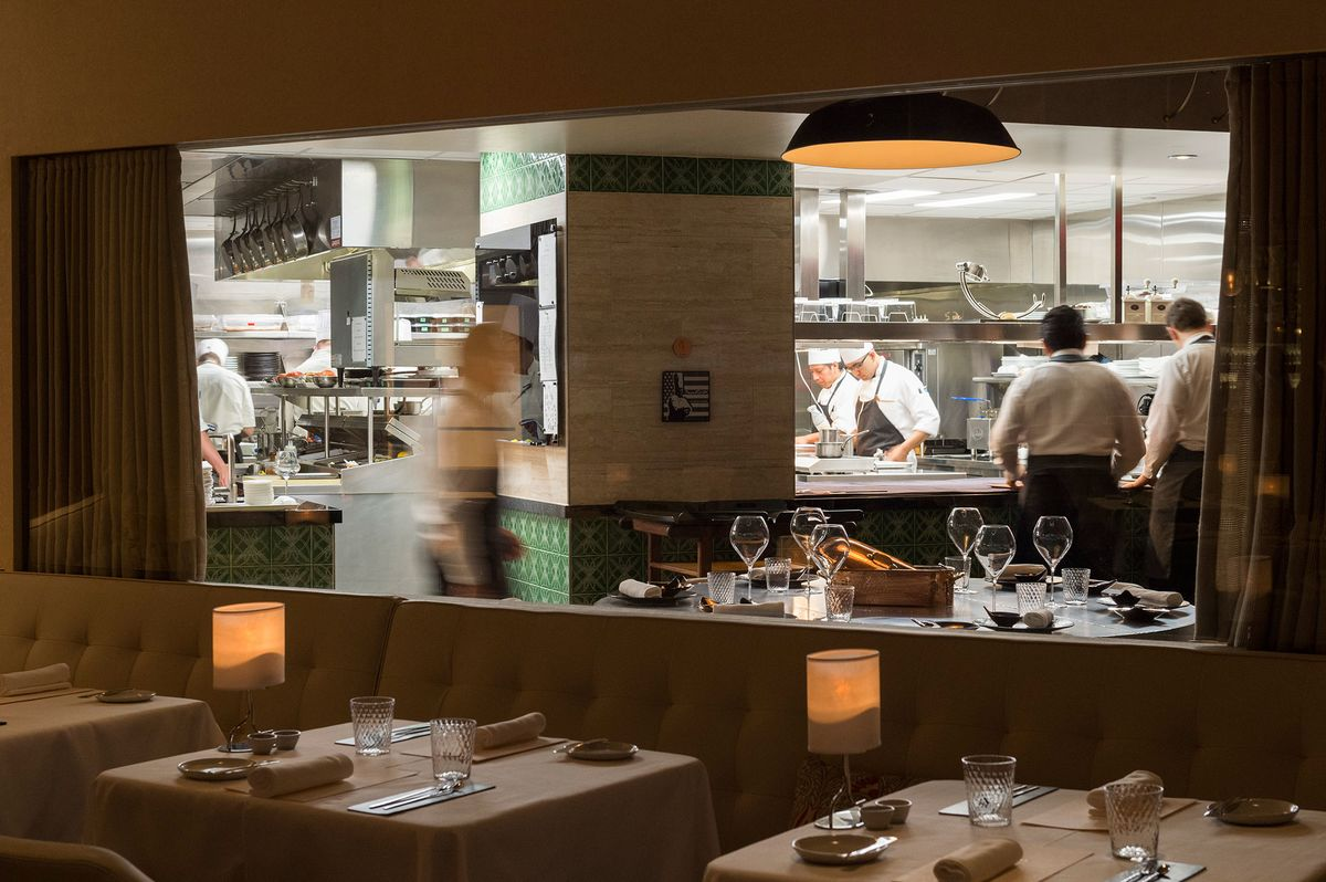 Restaurant Kitchen Table Gabriel Kreuther Review Fine Dining In New York Is Not Dead Yet
