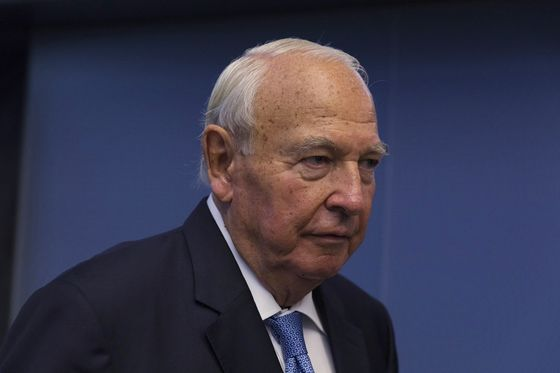 Late German Billionaire's Heirs Unwind the Patriarch's Last Deal