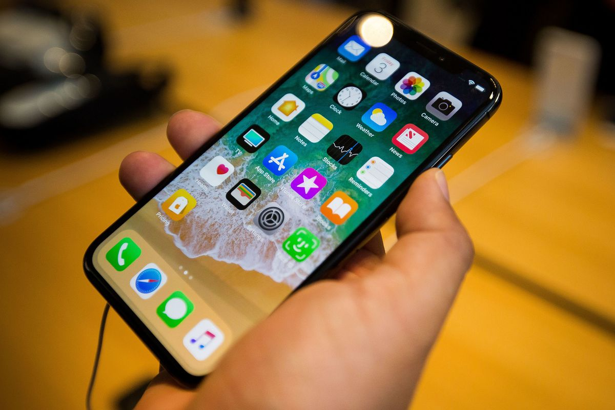 Apple Says Some IPhone X Units Have Faulty Touch Screens
