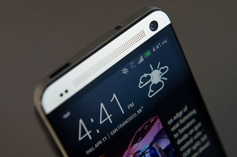 To Catch Up, HTC One Needs Galaxy Lessons