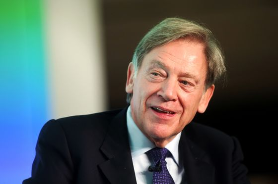 Ex-Schlumberger Chief to Acquire Biggest Shale Pipe Servicer