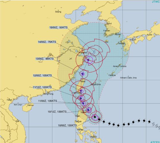 Ports in China Brace for Impact of Typhoon Chanthu