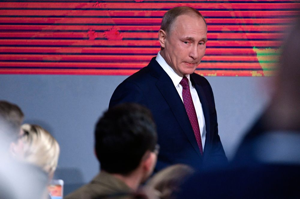 Putin Offers Bonds For Russia S Richest Spooked By Sanctions Bloomberg